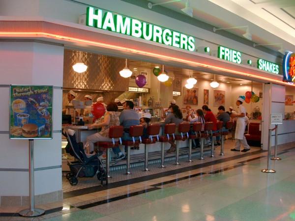 New York-i éttermek tiltakoznak a minimálbér-emelés ellen