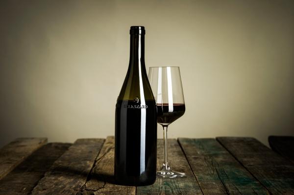 Önálló palack Szekszárdnak