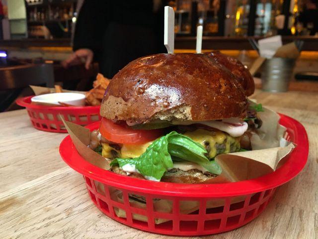 Malátaburger a FIRST-nél