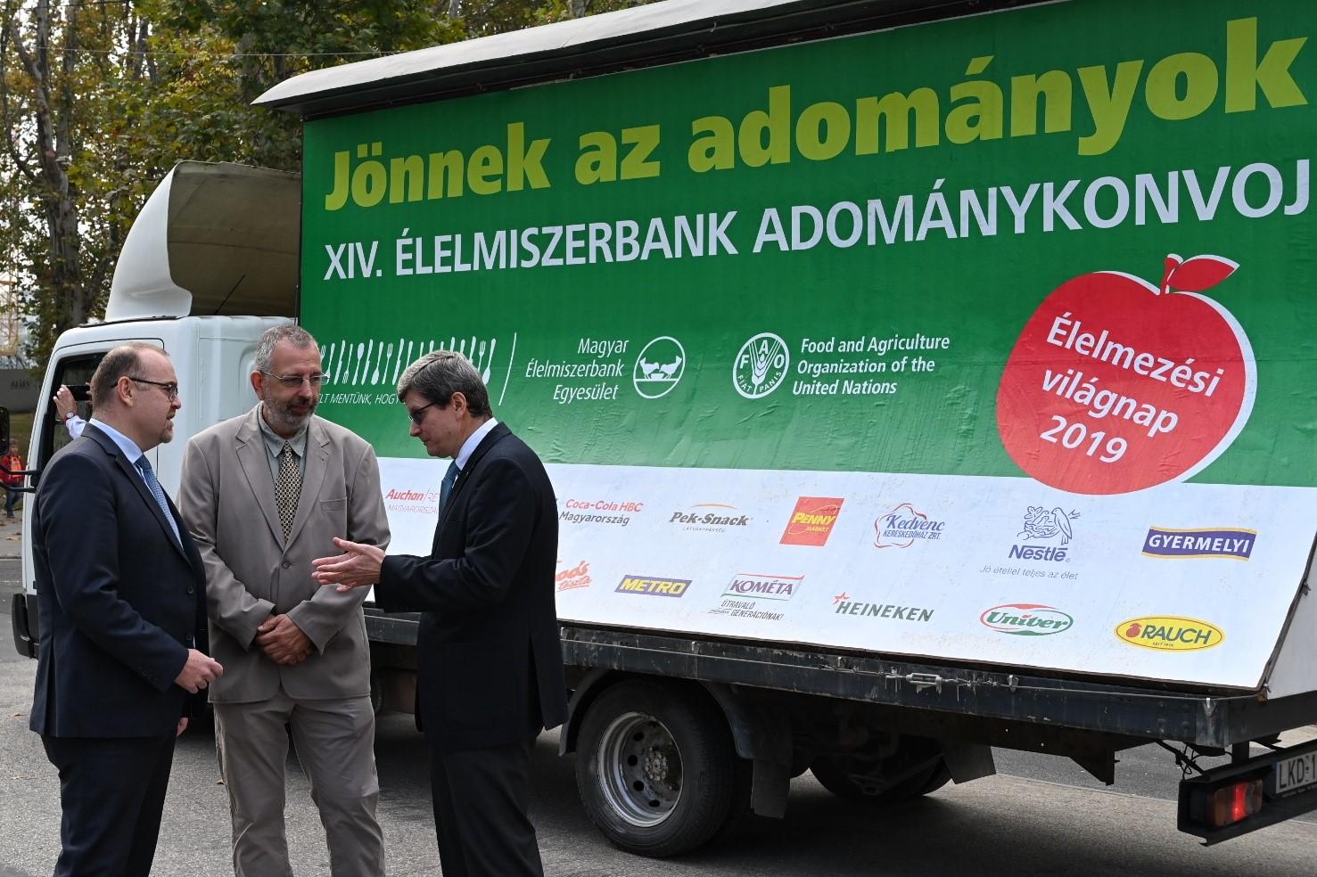 Rekordmennyiségű élelmiszert szállított az élelmezési világnapi konvoj