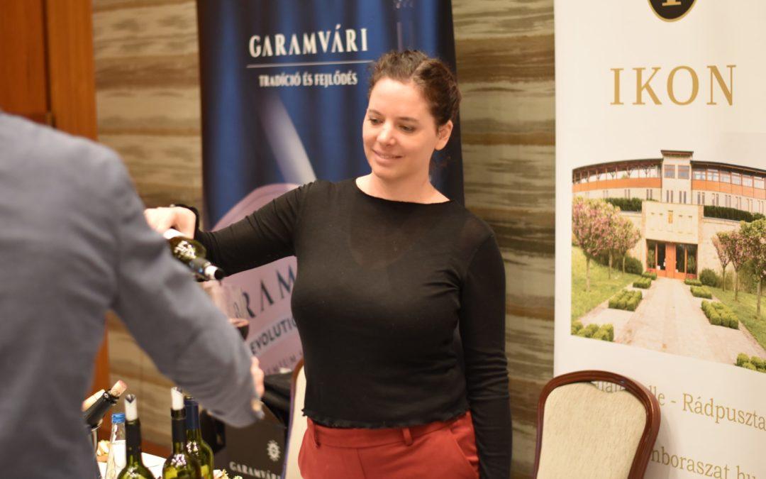 Pezseg a magyar borászat Varsóban